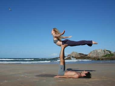 12 Benefits to Starting Acro Yoga
