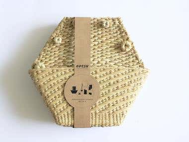 packaing for handicraft products .