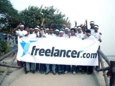 Freelancer Logo expose team.