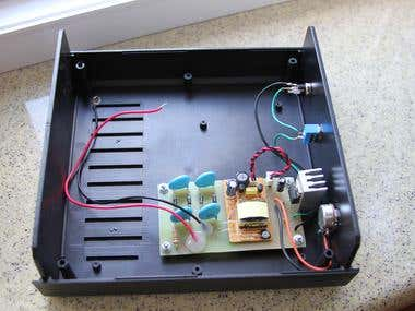 Alpha particle detector power supply