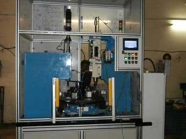 AUTOMATIC MACHINE WITH ROTARY INDEXING