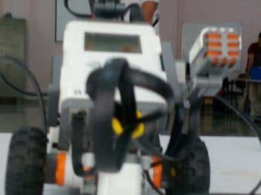 To build a universal robot using LEGO MINDSTROM NXT