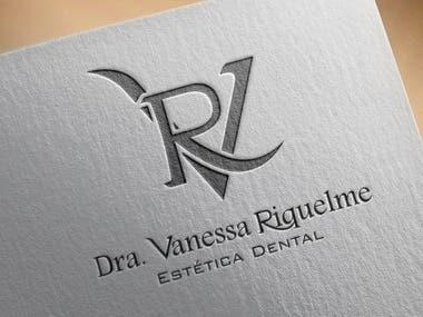 Logo VR Dra. Vanessa Riquelme