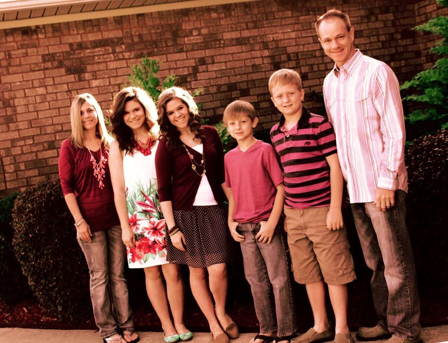 Konkurrenceindlæg #48 for Family Photo Enhancement