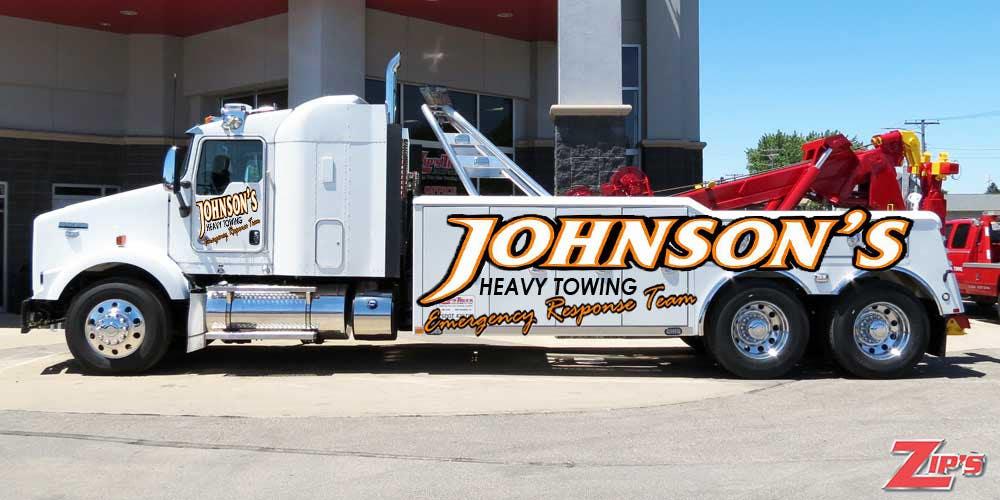 Kilpailutyö #4 kilpailussa Tow Truck Wrap Design