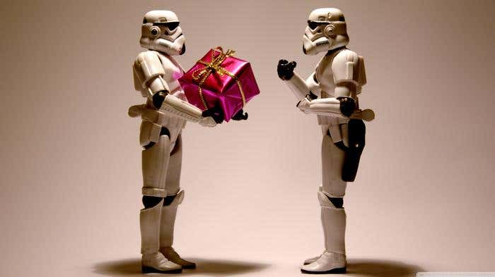 stormtrooper_christmas-wallpaper-1366x768